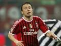 Милан намерен удержать голландского полузащитника, предложив ему новый контракт
