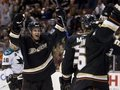 NHL: Утки расправились с Акулами, Клинки порезали Касаток
