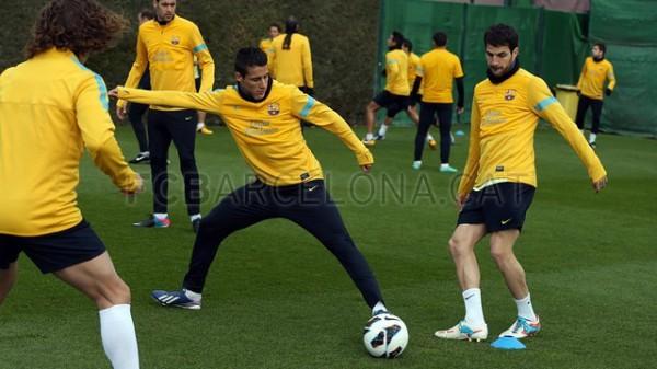 Барселона тренируется без своего лидера