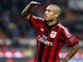 Милан продлил контракт с полузащитником сборной Голландии