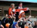 Звездные гости ЧМ-2014: Раздевалку сборной Нидерландов посетил король