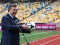 Экскурсовод. Янукович показал журналистам Олимпийский и рассказал о Евро-2012