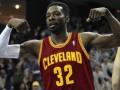 Данк Грина через Маинми - лучший момент предсезонных матчей НБА