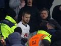 Футболист Тоттенхэма устроил потасовку с фанатами клуба