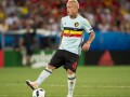 Перекур между играми: Игрока сборной Бельгии застукали в отеле с сигаретой