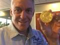 Семилетняя девочка нашла золотую медаль Олимпиады в мусоре