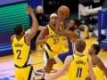 НБА: Лейкерс разгромил Хьюстон, Юта не оставила шансов Кливленду