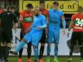 Игрок голландского клуба вытер ноги о судью во время матча