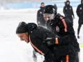 Игроки Шахтера подурачились в весеннем снегу