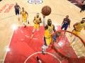 НБА: Лейкерс в овертайме вырвал победу у Клипперс, Даллас уступил Детройту