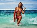 Красотка пятницы: Сексуальная серфингистка, увидев которую ты захочешь встать на доску