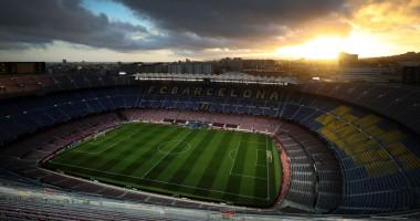 Барселона пригласила на стадион подростка, который спас жизни детей от убийцы в школе