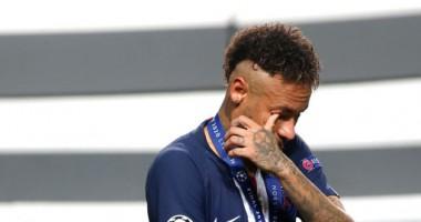 Неймар расплакался после поражения в финале Лиги чемпионов