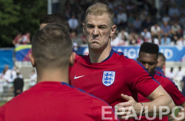 Джо Харт на тренировке сборной Англии