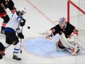 NHL: Сухая победа Рейнджеров и разгром в Чикаго