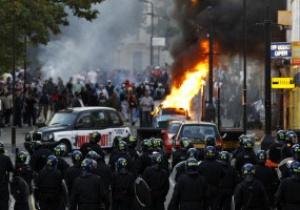 Рио Фердинанд призывает вывести армию на улицы Лондона