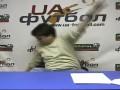 Цыганочка с выходом: украинский комментатор рухнул на пол во время интервью