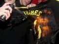 Огонь ненависти. В Ливерпуле сожгли футболку Торреса