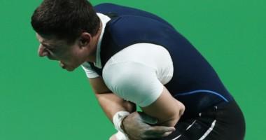 Армянский тяжелоатлет получил жуткую травму во время выступления на Олимпиаде