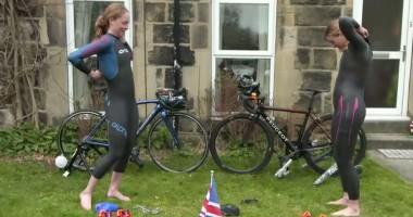 Британские триатлонистки устроили конкурс на скоростное раздевание