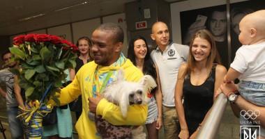 Жана Беленюка в Украине встретили как олимпийского чемпиона