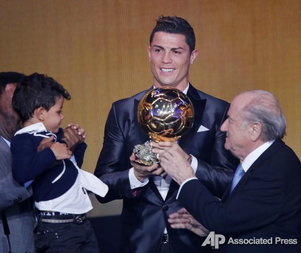 Криштиану Роналду и Золотой мяч 2013