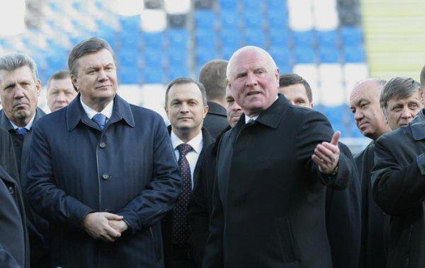 Два президента и земляка: Президент Украины уроженец Енакиево Виктор Янукович и Президент ФК Черноморец уроженец Макеевки Леонид Климов
