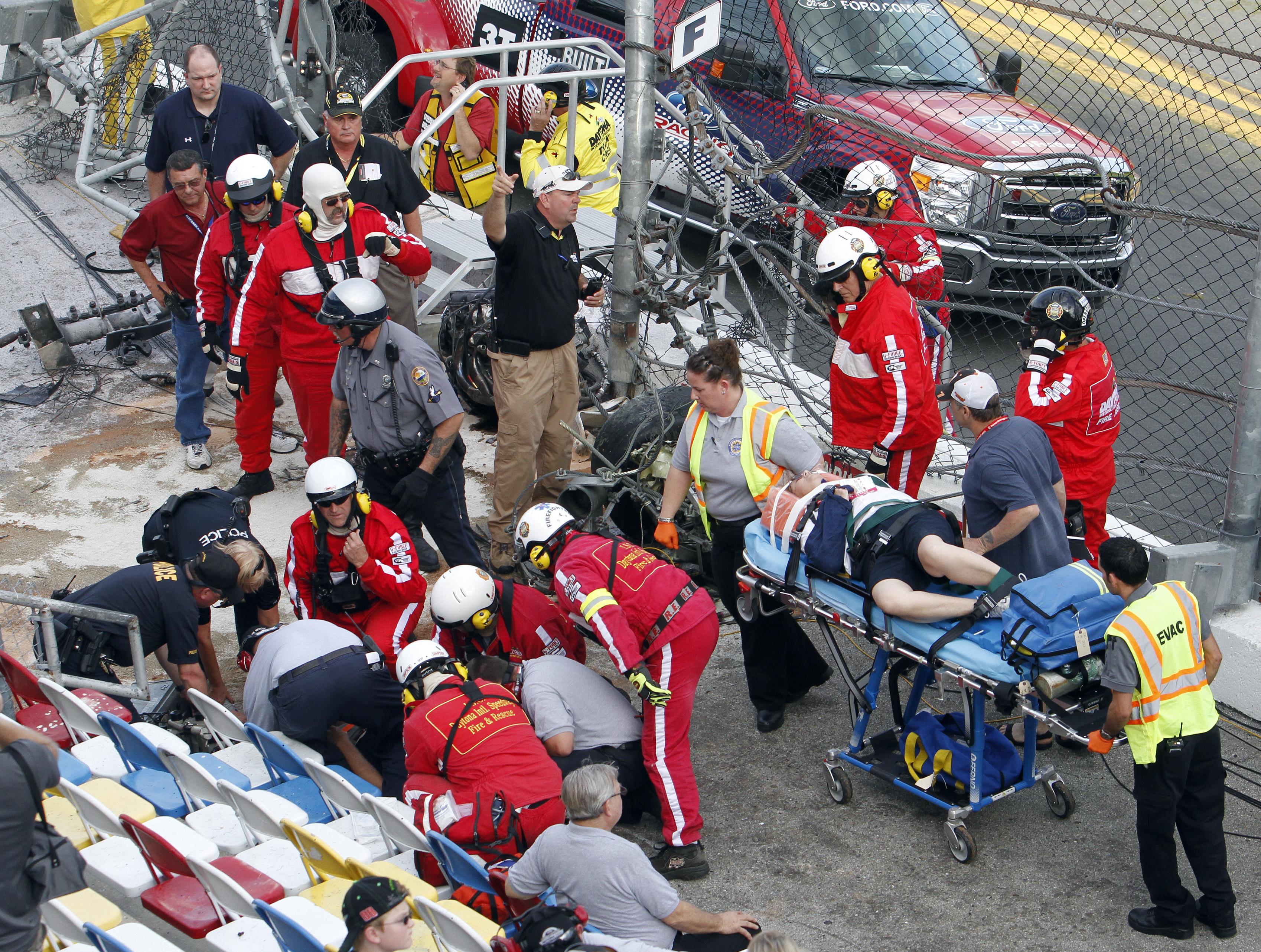 В результате аварии пострадало  33 зрителя
