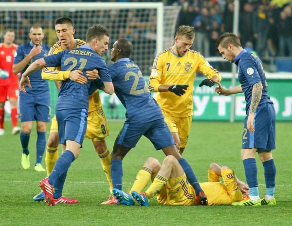 Французы оказалась в тяжелом положении перед ответной игрой в Париже