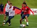 ФИФА расследует неприличный жест Деле Алли в матче Англия - Словакия