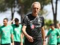 Преданность делу: Тренер сборной Австралии платит ассистентам из своего кармана