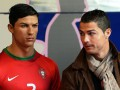 Роналду отправил стилиста к своей восковой фигуре в музее Мадрида