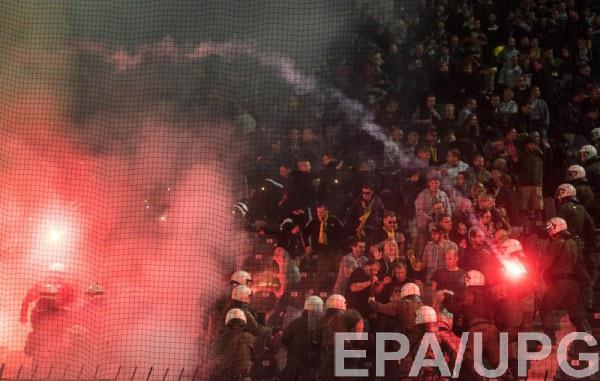 В Греции фанаты устроили беспорядки