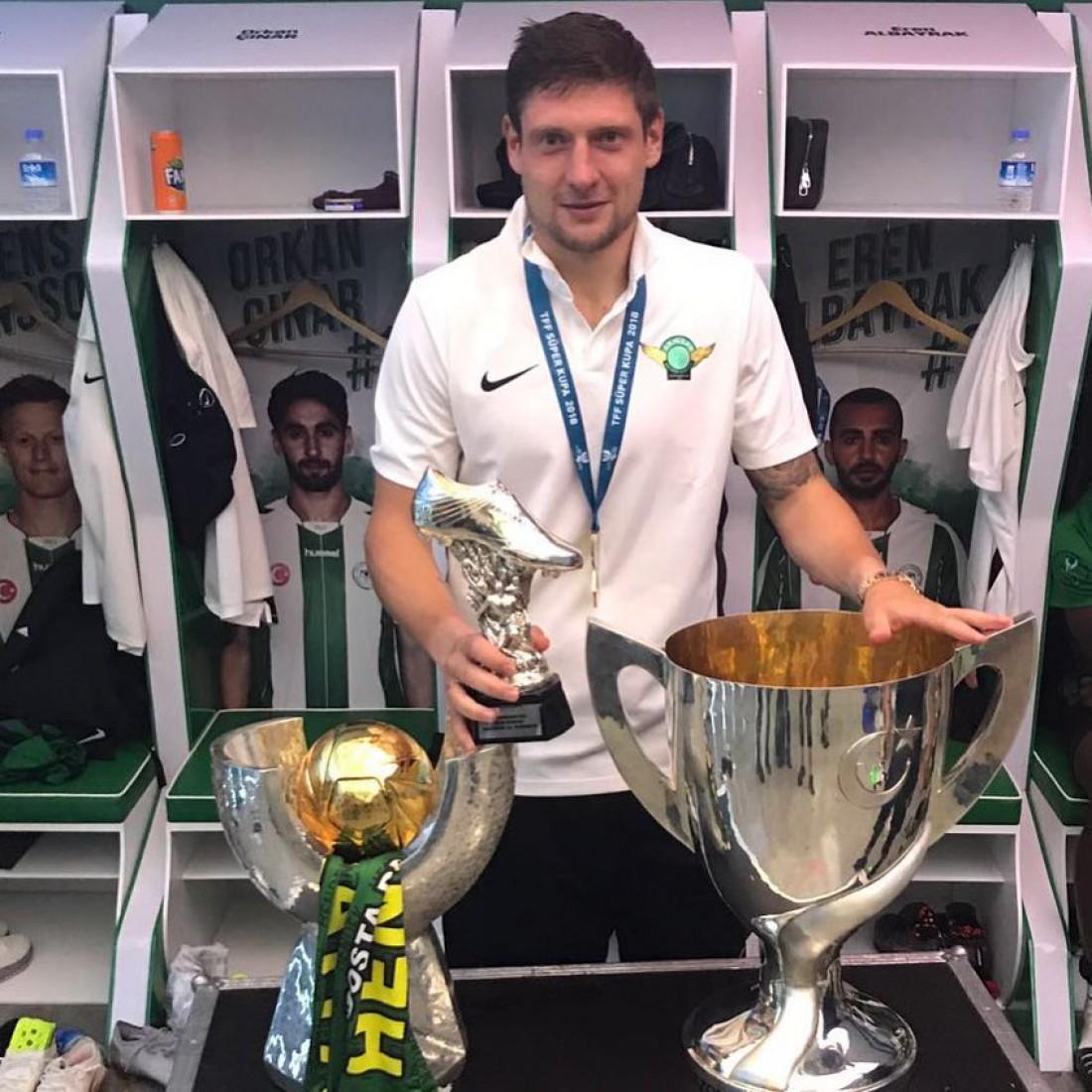 Евгений Селезнев похвастался турецкими трофеями