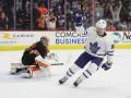 НХЛ: Торонто по буллитам обыграл Филадельфию, Чикаго в овертайме уступил Лос-Анджелесу