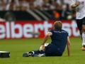 Физиотерапевт сборной Германии получил сразу две травмы в матче с Австрией