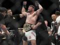 UFC 199: Биспинг уничтожил Рокхольда и стал новым чемпионом мира