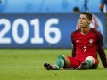 Криштиану Роналду отдыхает на Ибице с повязкой на колене