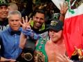 Альварес - второй боксер в истории, владеющий поясами в трех дивизионах одновременно