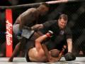 Адесанья нокаутировал Уиттакера в бою за титул чемпиона на UFC 243
