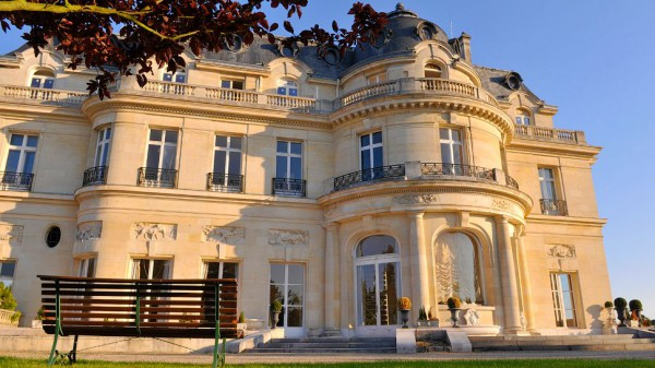 Отель-замок Chateau Hotel Mont Royal