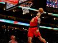 Эффектный аллей-уп Хейза и мощный данк Била - среди лучших моментов дня в НБА