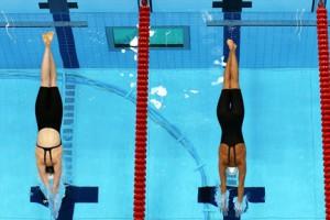 В плавание сегодня разыграют четыре комплекта наград