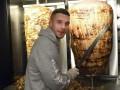 Экс-нападающий Арсенала откроет шестой кебабный ресторан