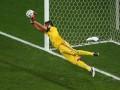 Вратарь сборной Аргентины использовал шпаргалку в серии пенальти с голландцами
