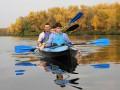 Виталий Кличко с сыновьями прокатился на байдарке по осенней Десенке (ФОТО)