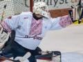 Канадские хоккеисты вышли на игру в украинских вышиванках