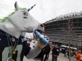 Охмелевшая поддержка: Как фанаты во время футбола выпивают (ФОТО)