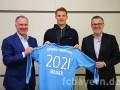 Нойер подписал новый контракт с Баварией
