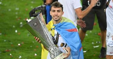 Форвард Севильи сделал прическу в честь победы в Лиге Европы